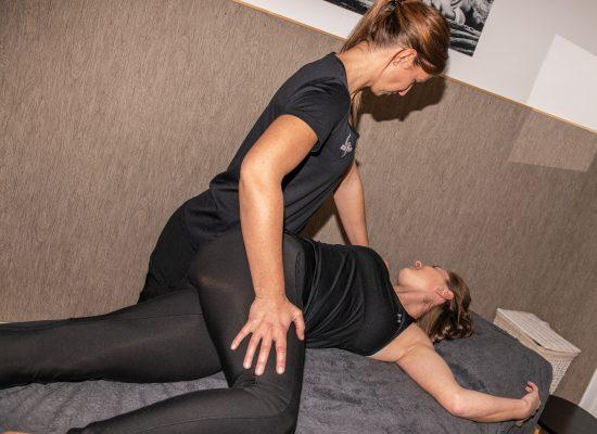 Physiotherapie Dehnung Wirbelsäule